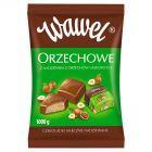 Wawel Orzechowe z nadzieniem z orzechów laskowych Czekoladki mleczne nadziewane 1000 g